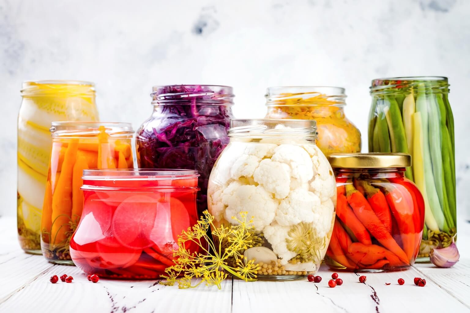 Co jeść przy antybiotyku? Brać probiotyk przed czy po antybiotyku? Jak wygląda dieta przy antybiotykoterapii?
