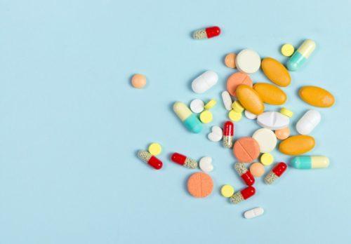 Czym się różni probiotyk od synbiotyku? Co to jest probiotyk, prebiotyk i synbiotyk?