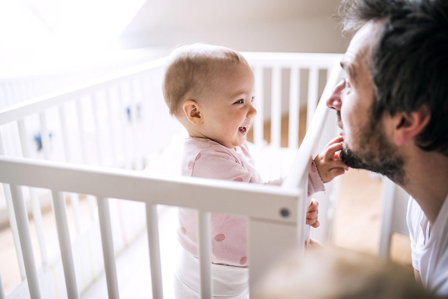 Poznaj naturalne, domowe sposoby na ząbkowanie u niemowląt.